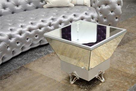 7 секретов украшения стола в гостиной