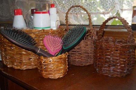 7 идей декора плетеными корзинами