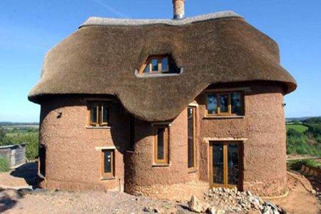 7 советов, которые помогут построить глинобитный дом