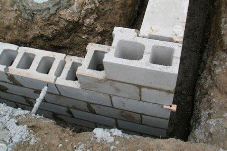 Строим из шлакоблока