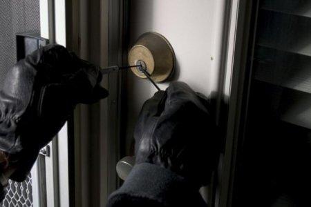 Что необходимо сделать для того, чтобы обезопасить свой дом на время отъезда?