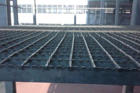 Фото 1 Выбор решетчатого настила