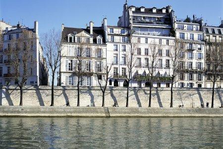 Стоимость жилой недвижимости в Париже на 25% дороже средней стоимости жилья во Франции